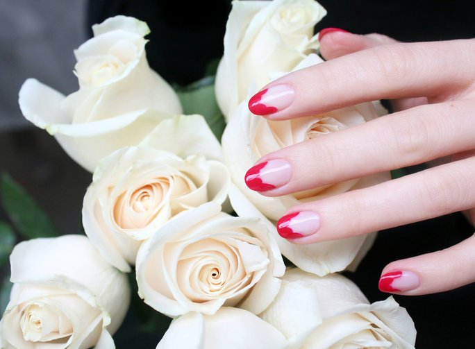 This petal-inspired #MothersDay nail art is perfection: https://t.co/C4wNojATp4 https://t.co/k4BRgSfdPL
