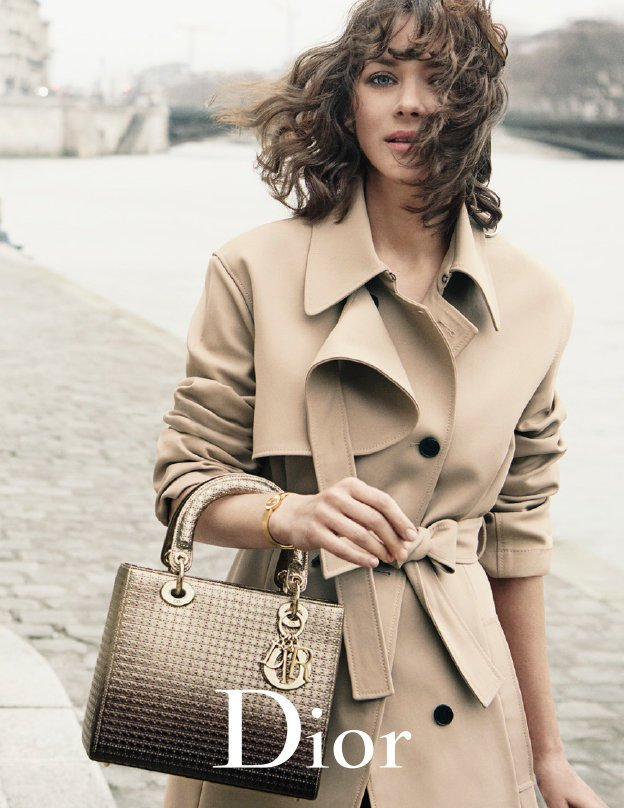 Marion Cotillard new Lady Dior campaign is simply dazzling: https://t.co/FQbdF7RXdQ https://t.co/0dh355sWkJ
