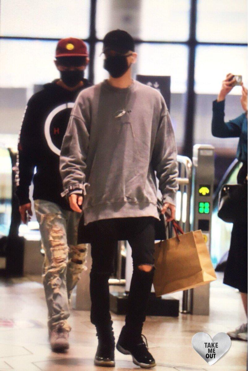 160430 Jonghyun @ Aeropuerto Gimpo. ChPxKyLU4AAlTRT