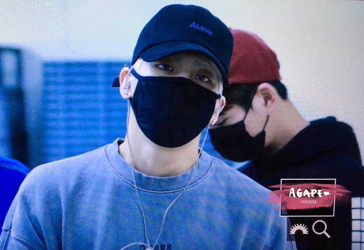 160430 Jonghyun @ Aeropuerto Gimpo. ChPzHRGUgAAD9i_