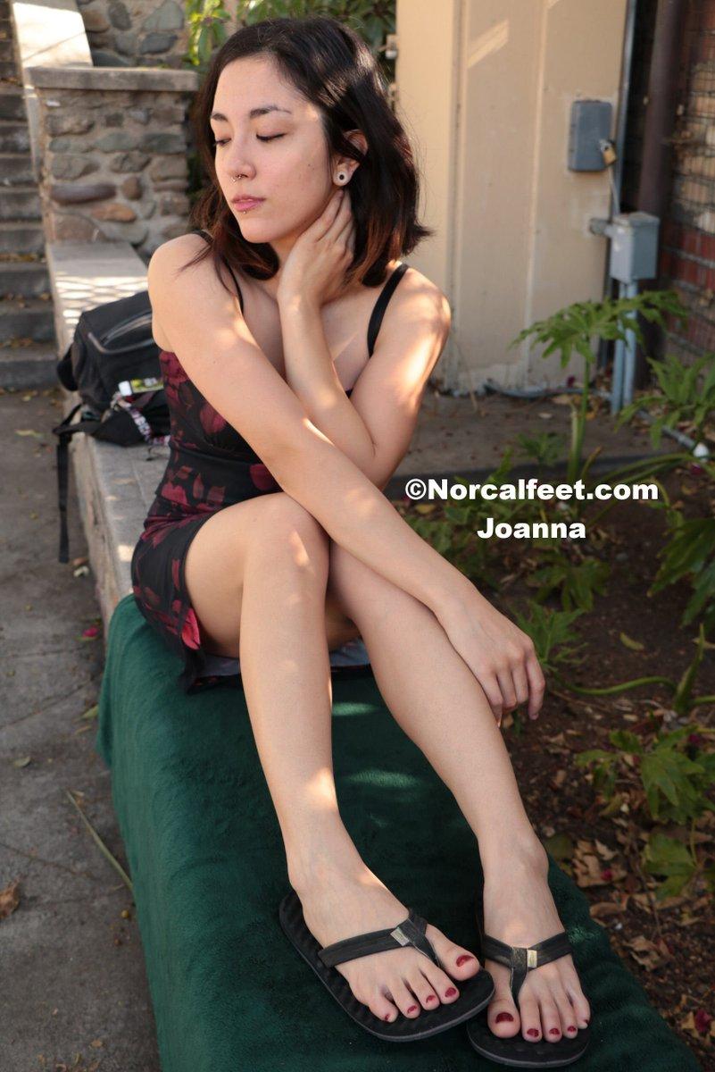 Feet sexy filipina Dating Older
