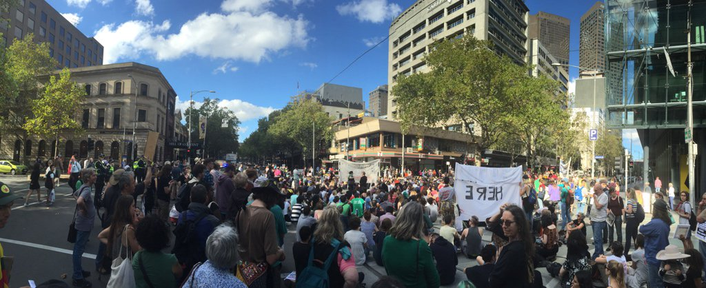 #BringThemHere rally has taken over the Bourke & Exhibition Streets intersection (near the Liberal Party offices) https://t.co/uC6U4mIJNo