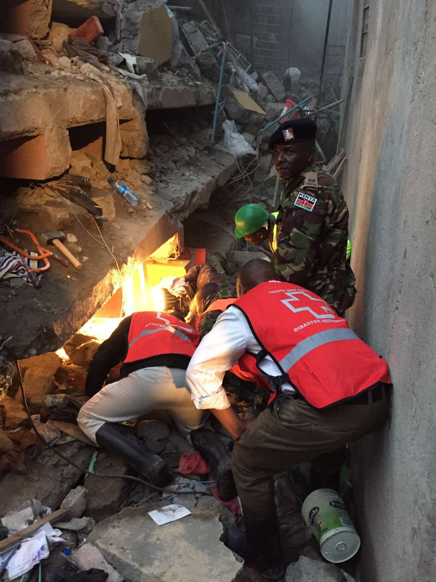 Live pictures from the scene. #HurumaTragedy KRCS with partners trying their level best to assist. https://t.co/UmDVoxTVaZ