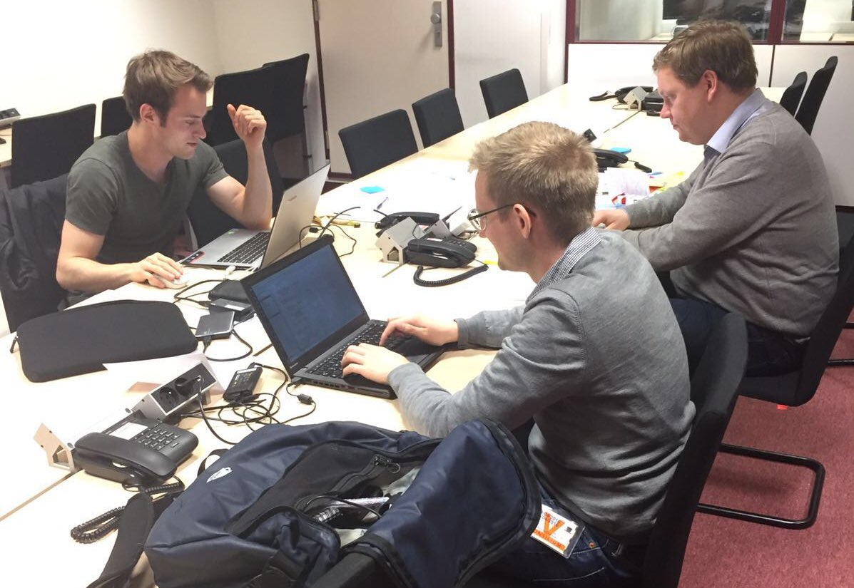 Good morning! These guys stayed up all night for their #Diplohack💻. They still got more than 5 hours left. https://t.co/8RTFoxgtZ8