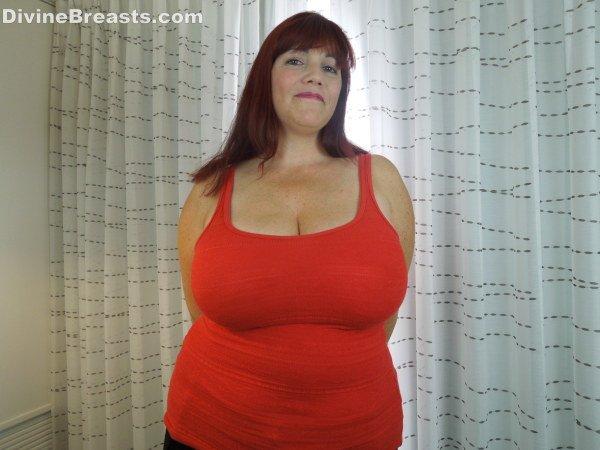 trans-babe-grab-my-big-tits-dreamers