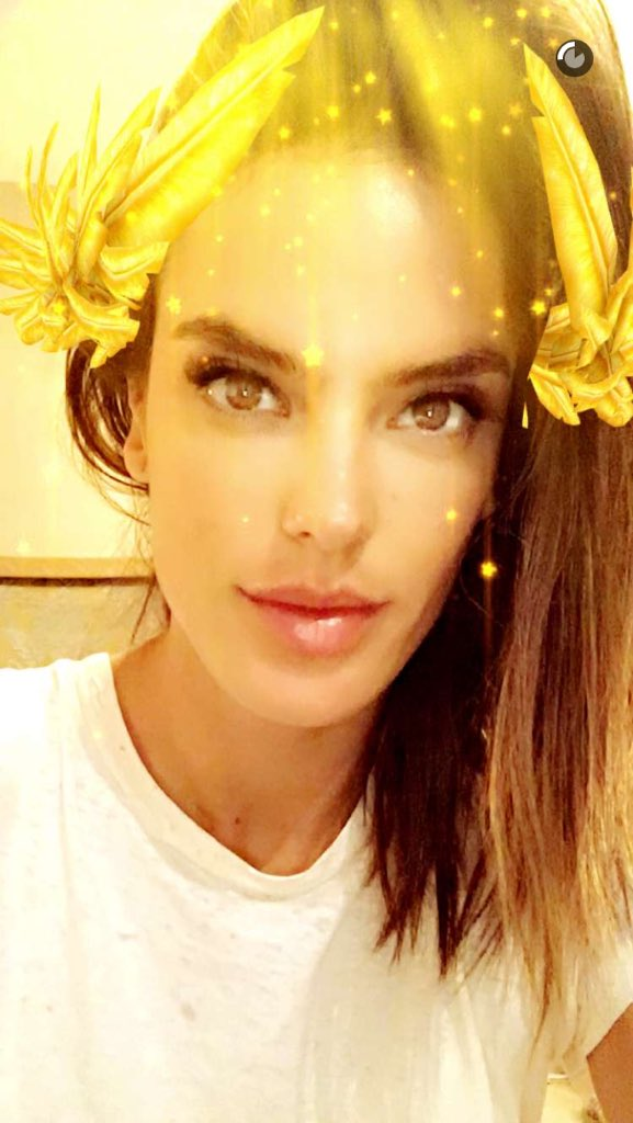 Victoria's Secret on T... Alessandra Ambrosio Twitter