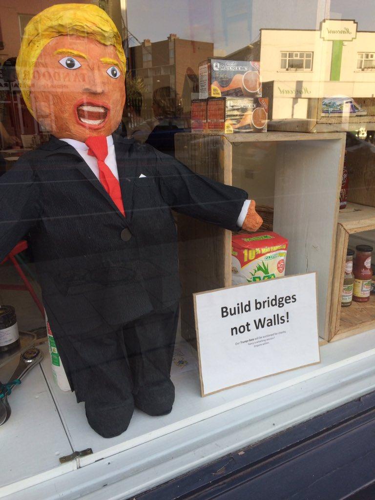 Picado Mexican shop on Sth Richmond St is raffling a Trump piñata