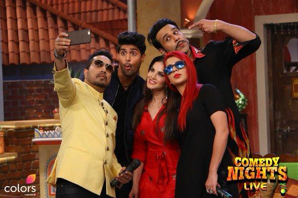 #Selfie time on the sets of #ComedyNightsLIVE  @TanujVirwani & @JasmineSandlas @MikaSingh 2nite 10PM