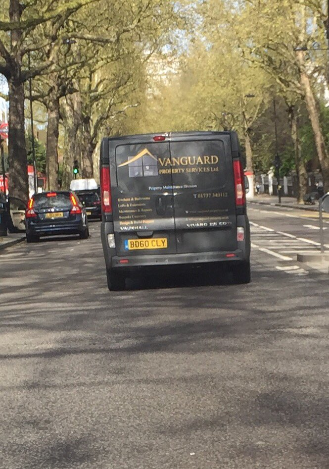 The person driving this van is either on his way to a global emergency. Or he is a twat. https://t.co/FmxZpenoSr