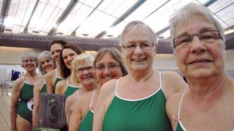 Calgary senior synchronized swimmers show off stellar lung capacity