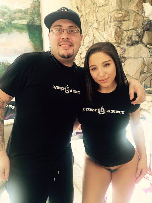 Reppin' it #LustArmy @LustArmyVideo @RandyQuintana @KendraLust ? https://t.co/acDPrwvaSx