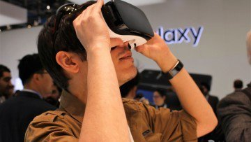 Nauseous when using VR? Microsoft is working on a cheap fix for that