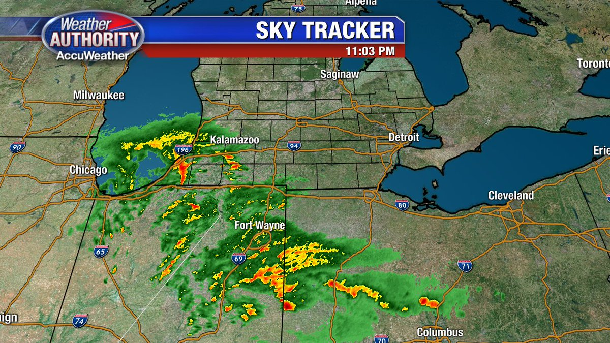 Just after 11:00 PM... showers and t-showers are approaching SE Mich. Overnight wet weather is likely.