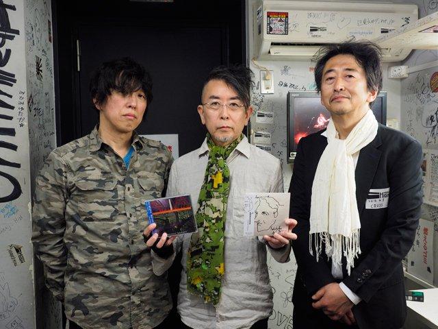 @PILOTRUN 4/8エレキャン東京での楽屋写真。CROSSのお二人からCDをいただいた記念にパチリ。また競演できる日を楽しみにしております。 https://t.co/Z2oEPcLroN