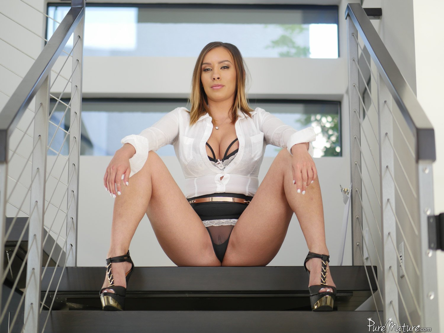 Horny real estate agent
