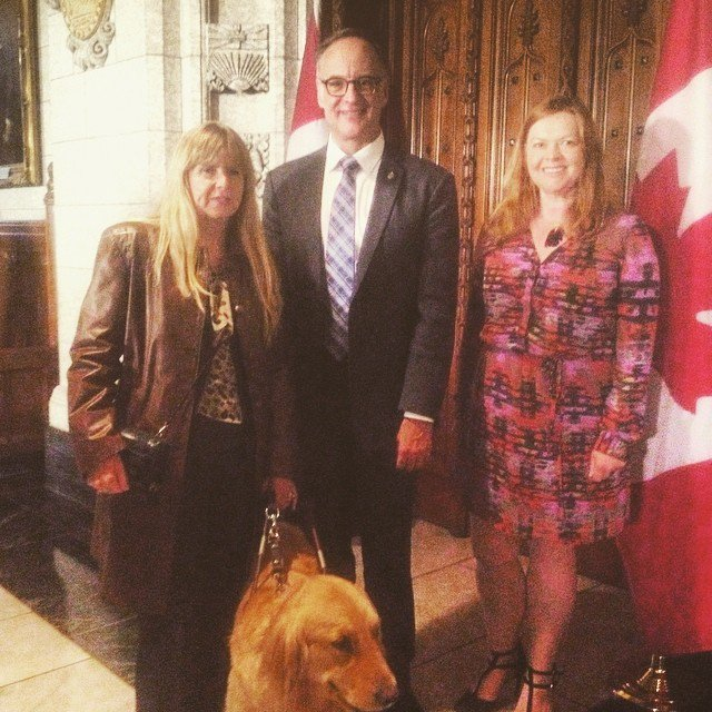 Meeting with @Rob_Oliphant who announced #VisionHealthMonth2016 in House of Commons today! #WhatIsBlindness https://t.co/Tg8MiqptUS