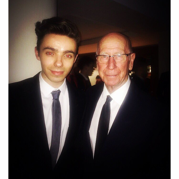 I JUST MET SIR BOBBY CHARLTON @ManUtd https://t.co/oAPrw83ddp https://t.co/8LYyIBj9yR