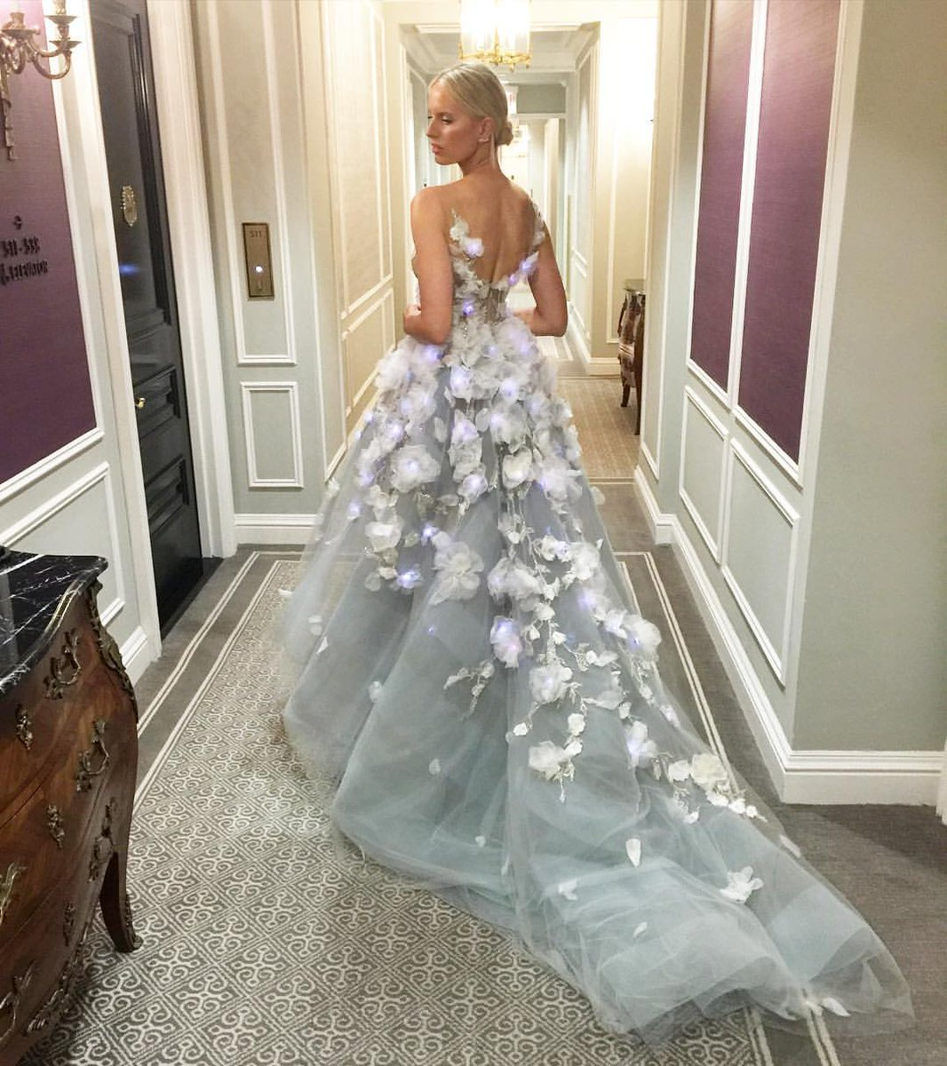 On my way! @marchesafashion #MetGala #emotionalintelligence #wearabletech @ibm #MetGala2016 https://t.co/nyI6OR22wC