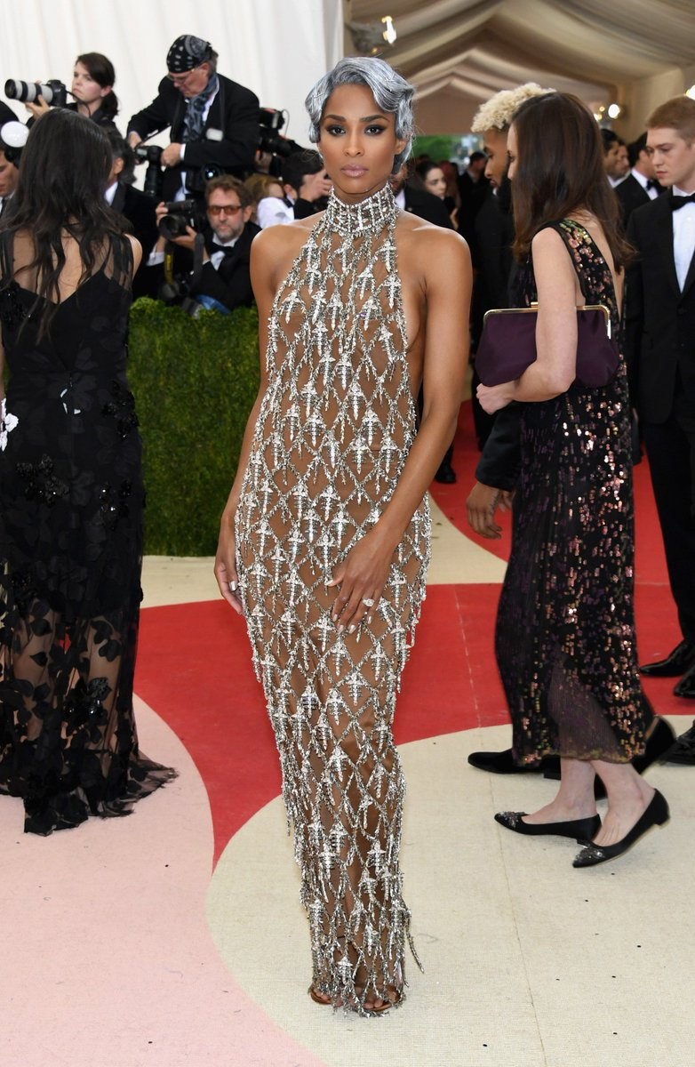It's safe to say @ciara is leaving everyone speechless... #MetGala https://t.co/l2G2bo2RkU https://t.co/2f7cxFeTQp