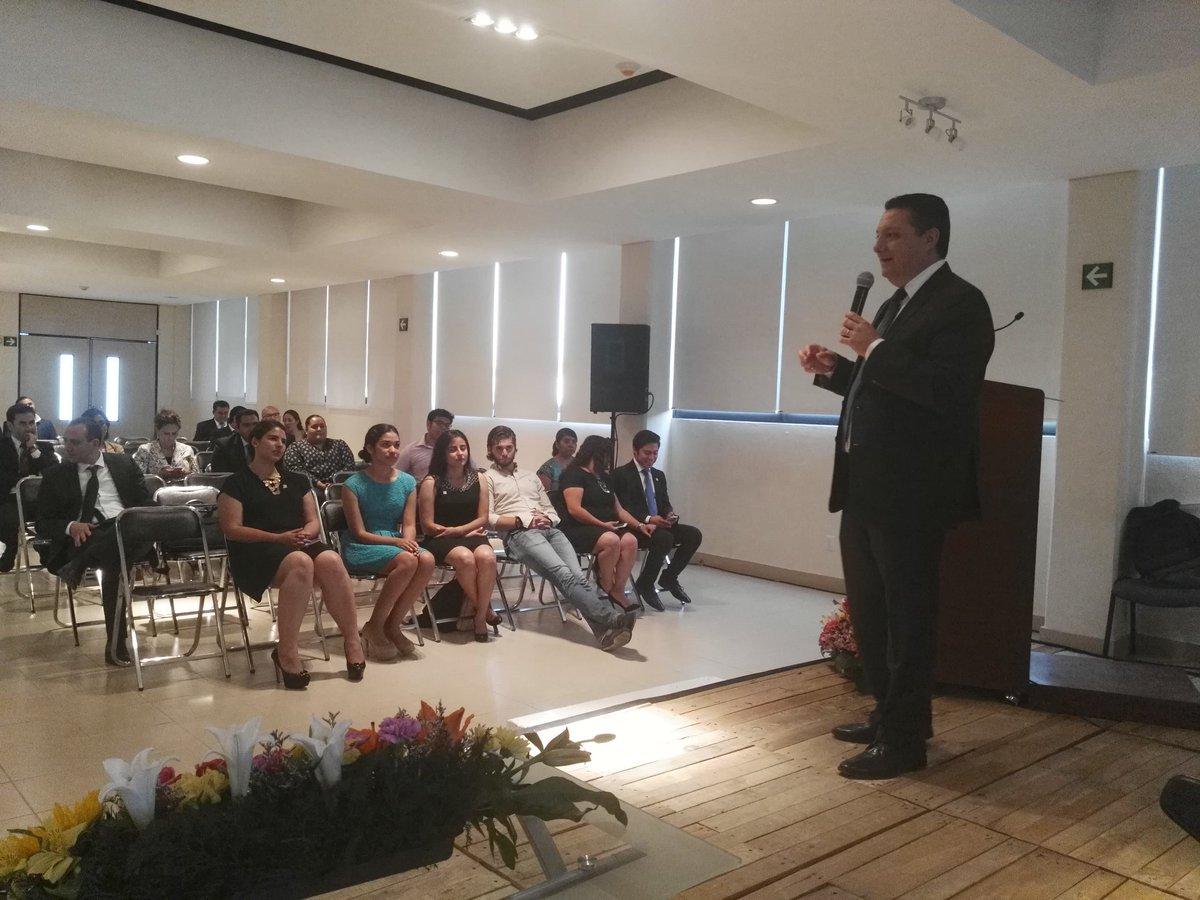 Conferencia tecnica de @IMEFOficial #Puebla en @UAnahuacPuebla #Alejandro Martí #Provident https://t.co/hOTJCTHrwB