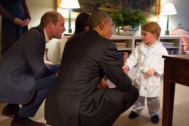 오바마가 영국가서 죠지왕자 만났을때 죠지왕자가 회담장소에 목욕가운 차림으로 나타나서 자기가 퇴임이 얼마 안남아서 죠지왕자가 자기를 얕본다면서 외교적 굴욕을 당했다고 말하는게 너무 좆간지였다. https://t.co/zqOEt0YwIb