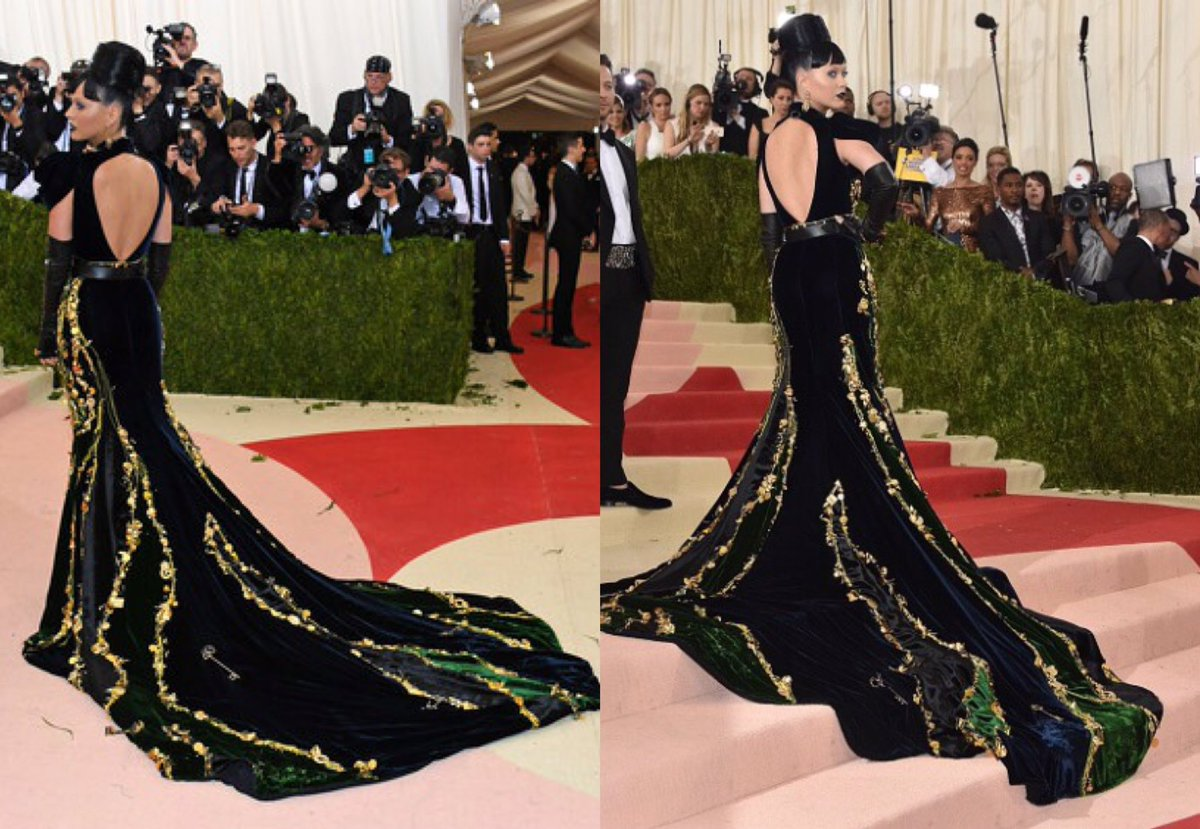 Katy Perry - Página 2 ChgEzBvU8AAOlQ3
