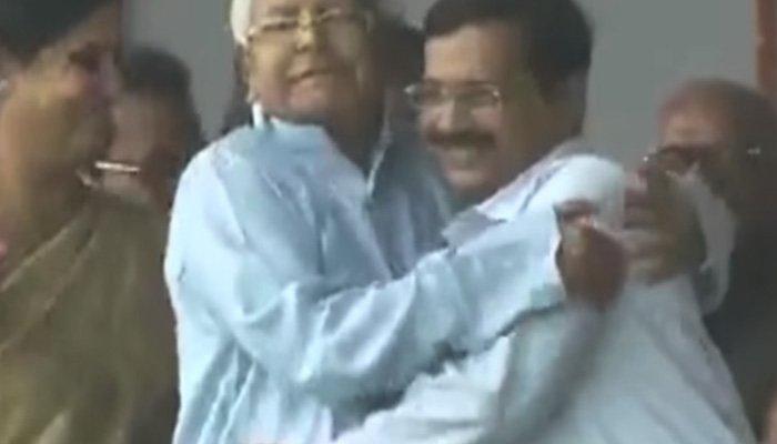 Why would I hug Arvind Kejriwal forcibly, is he a 'heroine'? asks Lalu Prasad Yadav https://t.co/9r9BE4Logd