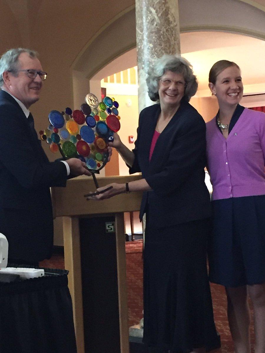 Dr. Elizabeth Ford-Jones, recipient of the Vision Champion Award @CanadianOpto @CNIB #VisionHealthMonth https://t.co/HS5PGUEj4U