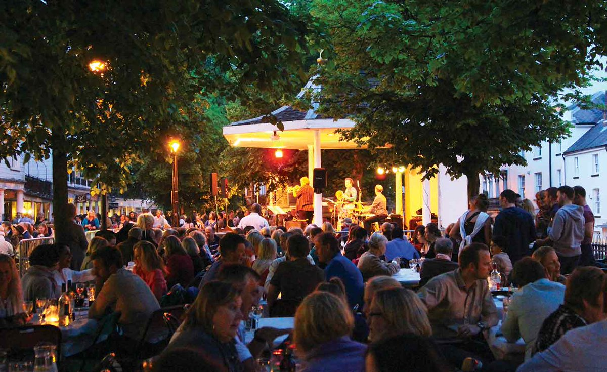 This year's season of the iconic Jazz on the Pantiles starts tonight - https://t.co/t3lAwHx9C6 #TunbridgeWells https://t.co/tg8TwqWto6