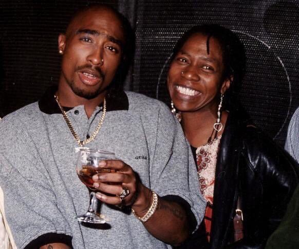 R.I.P Afeni Shakur words can't explain what an amazing women she was. Time for her to go home & be with her son... https://t.co/Bvn0LYo3BV