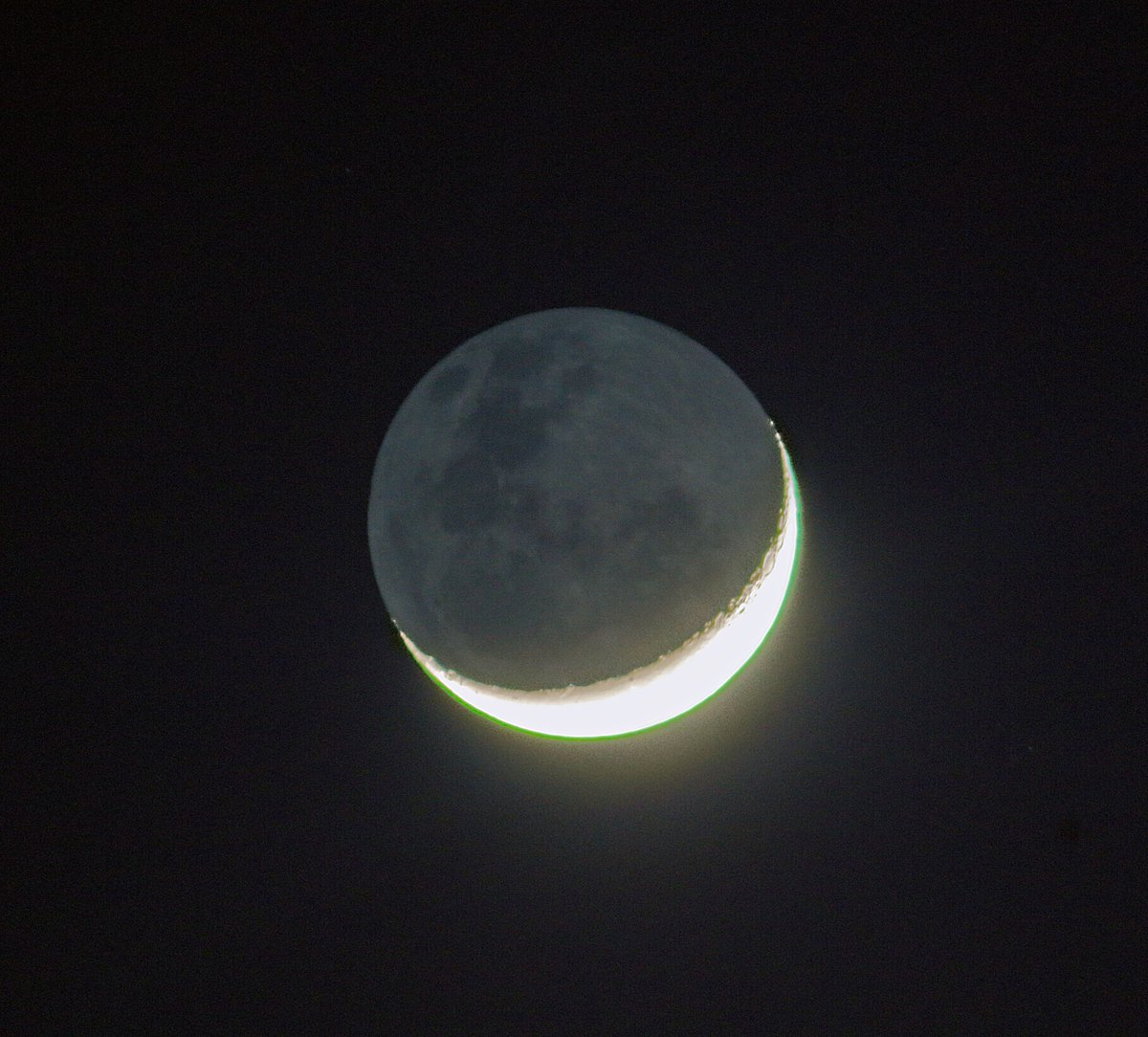 Old Moon In New Moons Arms >> Ian Griffin On Twitter Old Moon In New Moons Arms Made Me Smile As