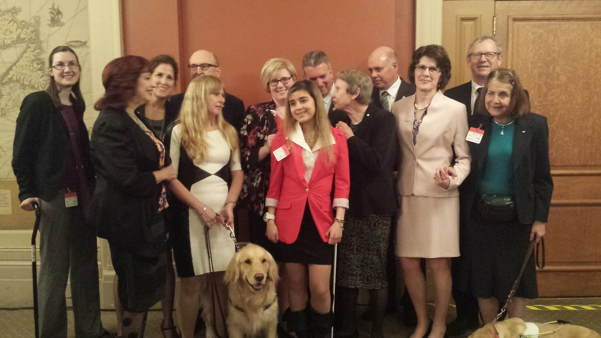 Minister Qualtrough celebrates Vision Health month on Parliament Hill with CNIB. https://t.co/ABPExxi6oR