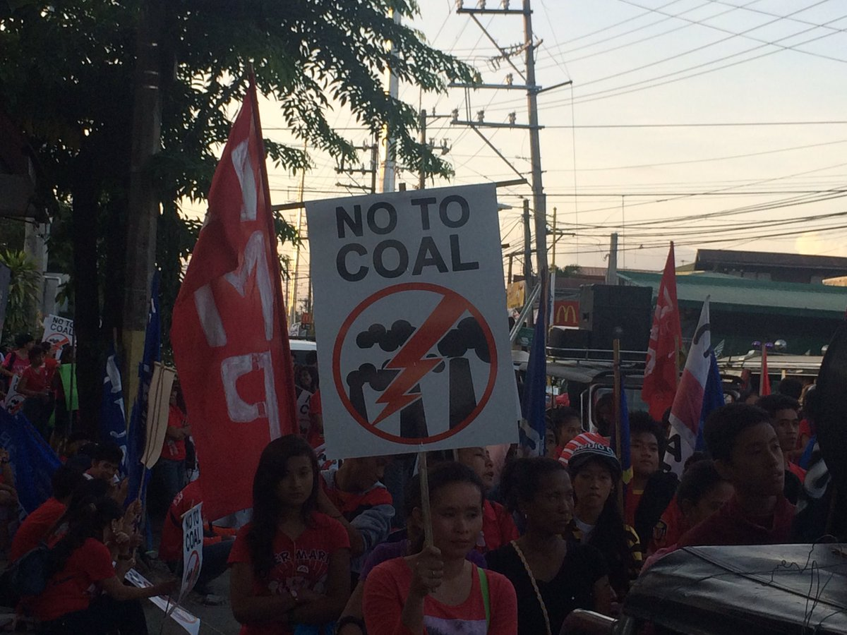 crowds are already starting to mass up for #piglaspilipinas #breakfree2016 https://t.co/1Qs4m8FujA