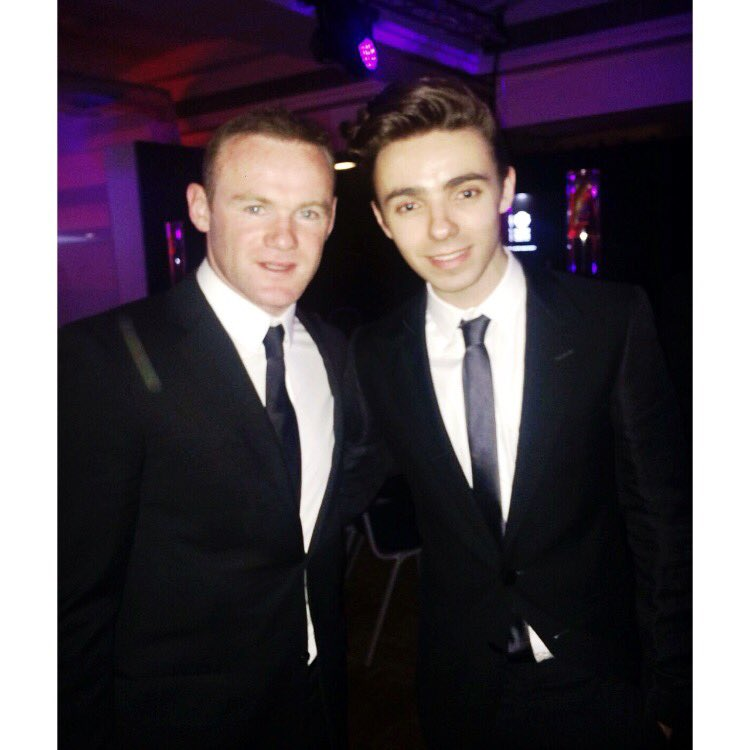 So nice meeting @WayneRooney at @ManUtd #MUFCPOTY awards last night!! https://t.co/3ouAhBKhXC https://t.co/9WB3aKcwNn