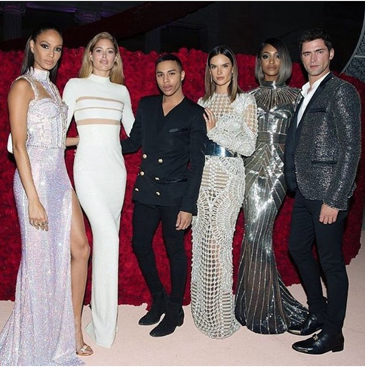 Balmain Crew last night #MetGala #ManusxMachina https://t.co/ztw9x4FXWX