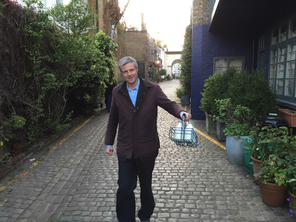Delivering milk & his Action Plan for Greater London! @ZacGoldsmith on  milk round with @DominicGilham #BackZac2016 https://t.co/LfPbnP1kDH