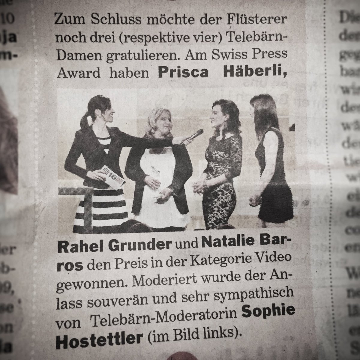 Merci :) @bernerbaer_news #Flüstertüte #Frauenpower @prisca_haeberli @RahelGrunder & Natalie Barros #swisspressaward https://t.co/qzagkjs1s5