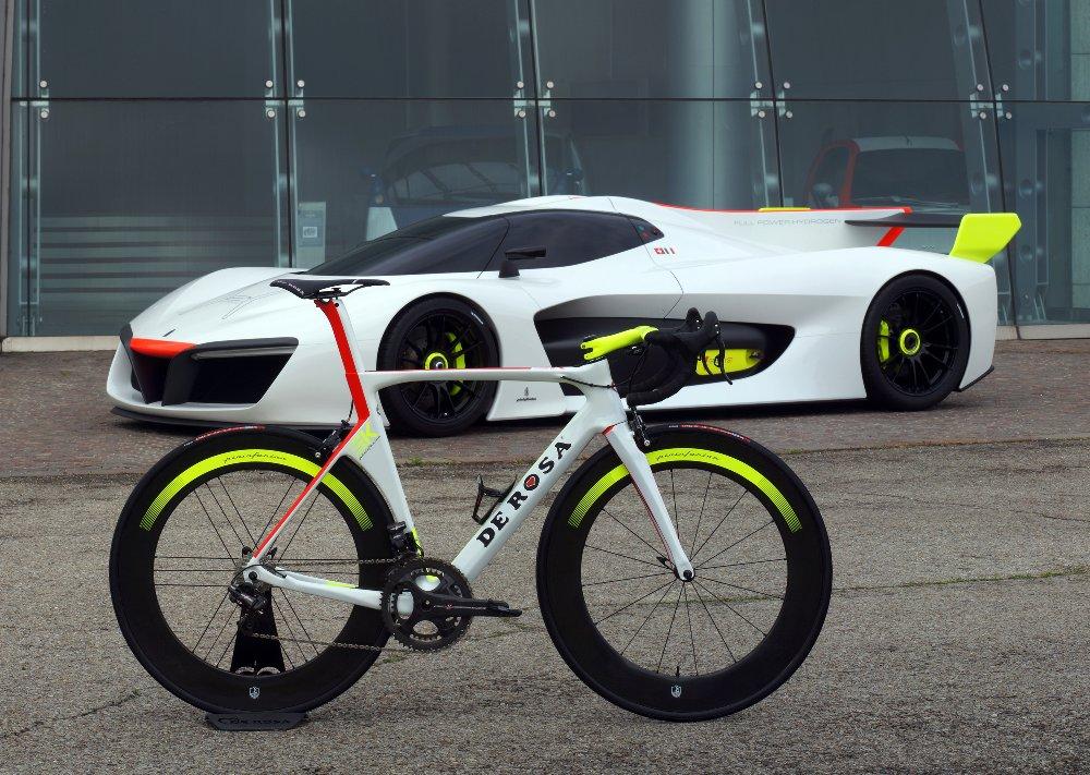SK De Rosa Pininfarina: con i colori della H2 Speed al Giro d'Italia con Damiano Cunego