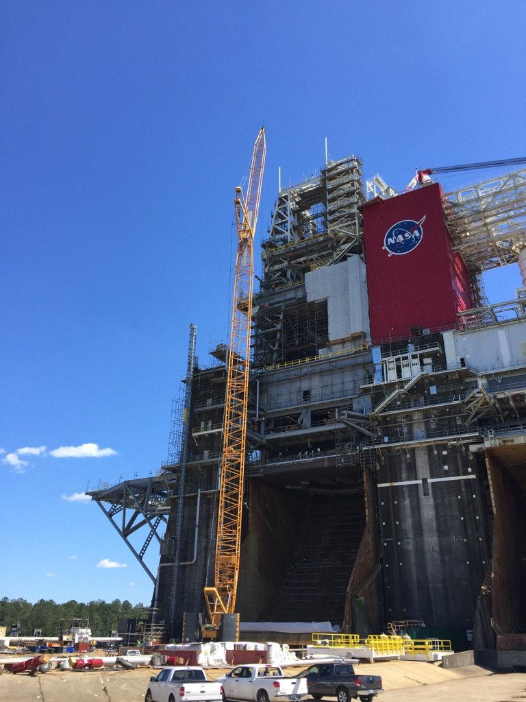 "Refurbing for SLS, 1.2M lbs of steel were moved on @NASAStennis' B2 stand, ""greased"" w Dawn dishwashing liquid. https://t.co/4mnsw0Xv5r"