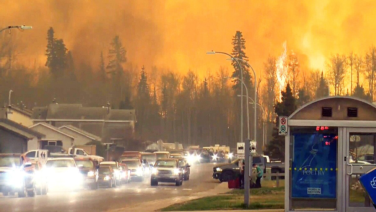 Driving past walls of flames, @janetdirks reports from FortMcMurray