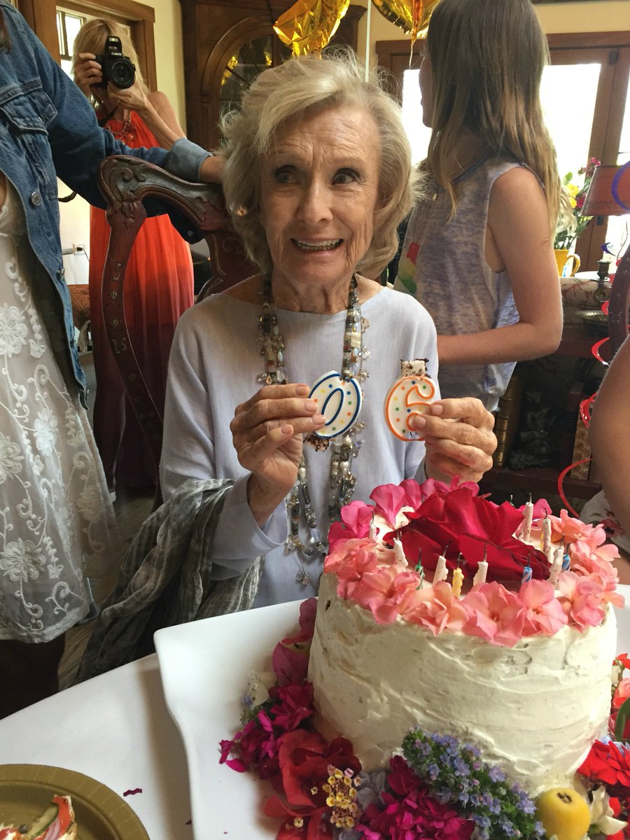 "I may have turned 90 this weekend...but i feel oh-so ""6."" Just the best ever w/friends & family #HappyBirthdayCloris https://t.co/5O778v4kew"