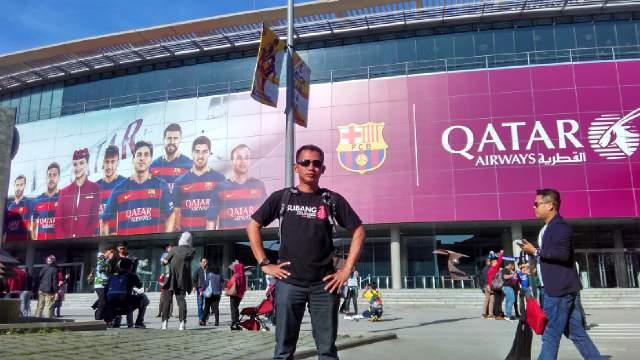 Keren! Produk Subang 'Mejeng' di Markas Barcelona FC