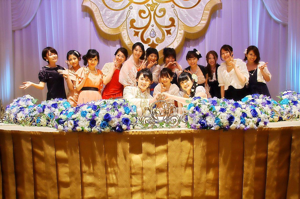 お色直し前にウェディングドレスの先生&王子様と集合写真を!! ℋ⍲ℙℙℽෆ⃛∗﹡  #西又葵・三宅淳一結婚式 https://t.co/R6JIvRCJ5S