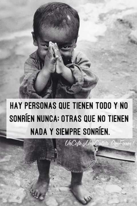 #HayDiasEnLosQue Dios Nos Enseña a No Dejar De Sonreír! #UnaBuenaIdeaEs #FelizJueves  Dios Te Ama! https://t.co/sPS3CcakIF