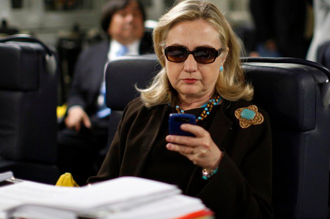 Clinton Email Issue Refuses To Go Away
