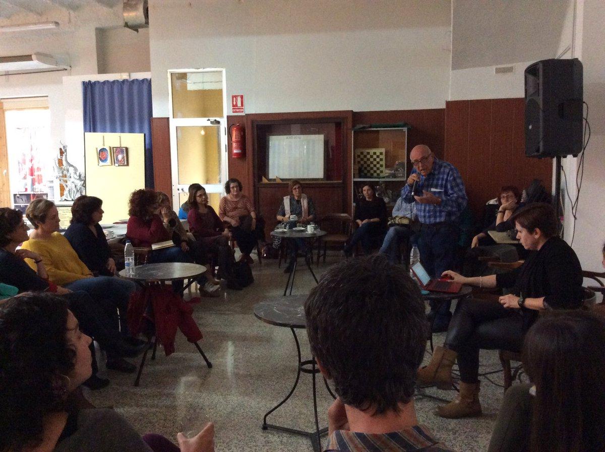 #EduInclusiva16 L'escola és un aparell d reproducció social. Ara comencen a haver-hi polítiques/pedagogies inclusivs https://t.co/sqKQrfAcXh