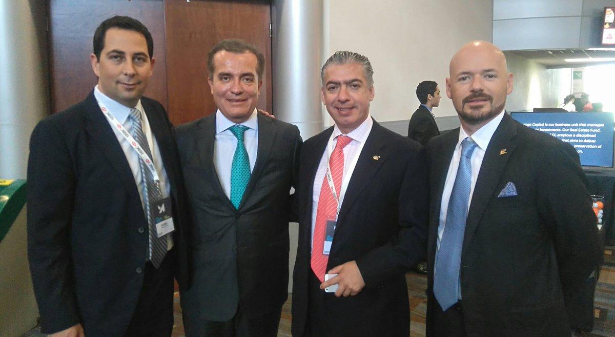 Previo a la plática del Dr. Luis Carlos Ugalde @LCUgalde @IMEFOficial https://t.co/VWzCnvKN0M