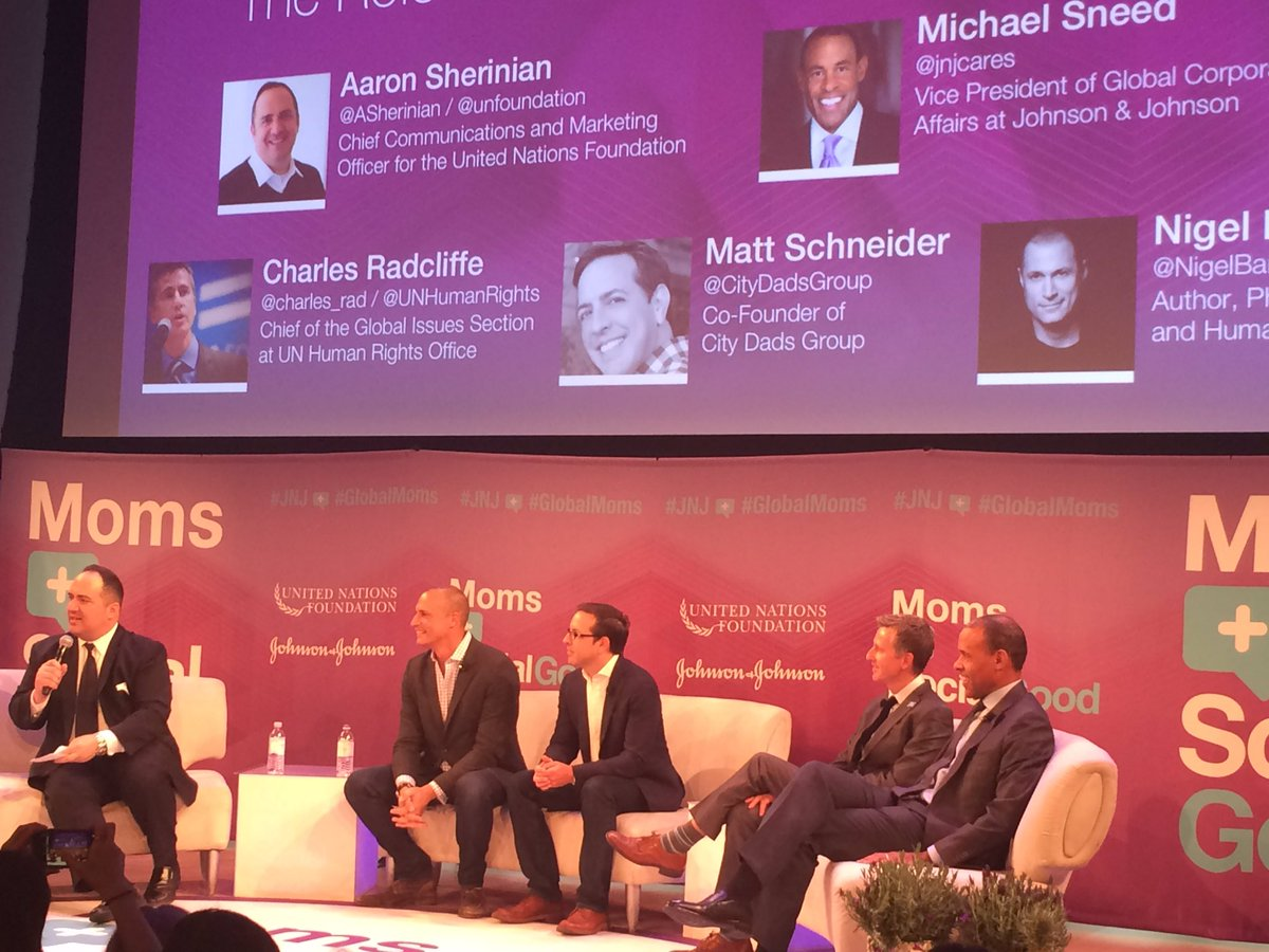 The DADS are in the house! Cool guys supporting #GlobalMoms Time to #ManUp https://t.co/NHoKyThLN3