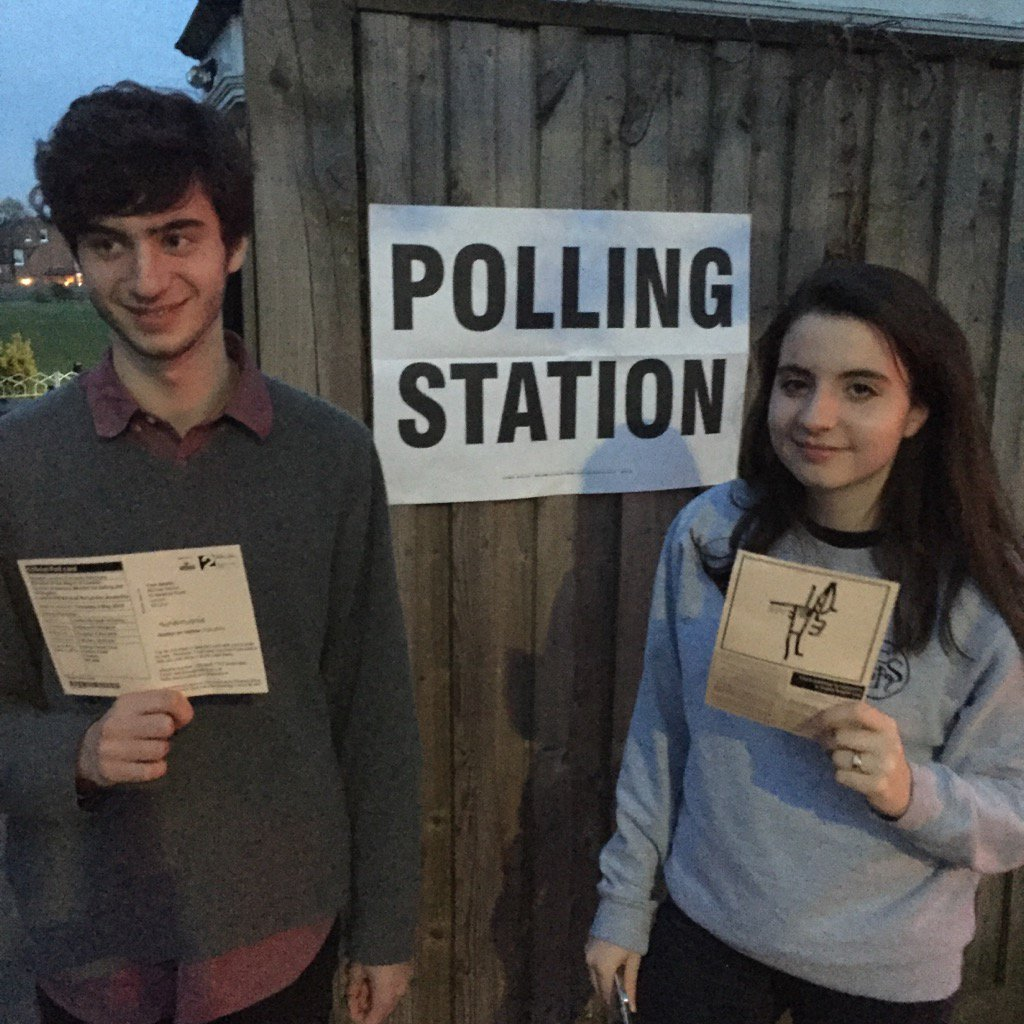 "Stephen Sackur on Twitter: ""My two kids gettin down with democracy for the  first time. #proudtovote… """