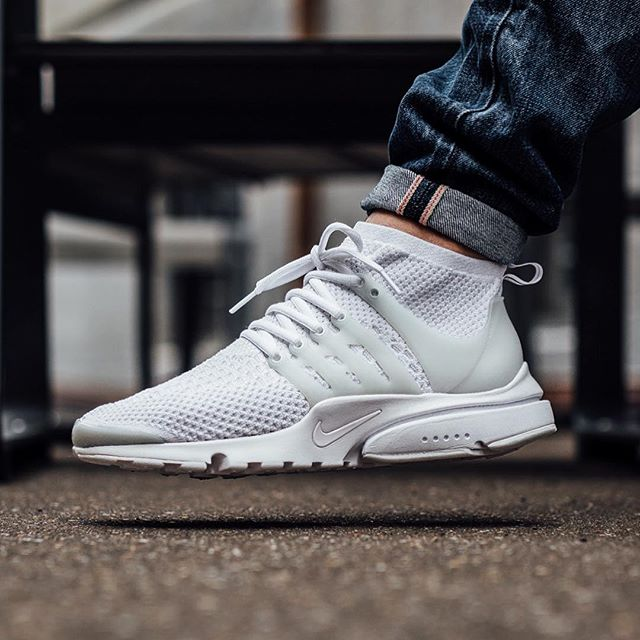 Flyknit Presto All White